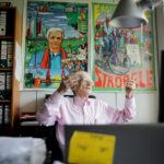 Was bleibt von den 68ern? Hans-Christian Ströbele 2017 in Berlin in seinem Abgeordneten-Büro. Die 68er hatten viel vor mit der Zukunft. Was ist geblieben von den Utopien von gestern? Hans-Christian Ströbele blickt zurück nach vorn. Foto: Kay Nietfeld/dpa/picture alliance
