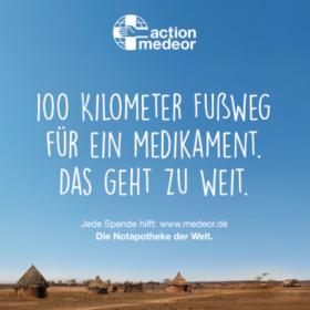 Das tut gut: Die Plakatkampagne von action medeor zeigt, wie schwer es für viele Menschen ist, an notwendige Medikamente zu kommen. action medeor ist Mitglied der Initiative